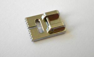 Patka pro našívání provázků a pásků
