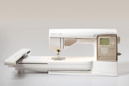 Šicí a vyšívací stroj Husqvarna Topaz 30